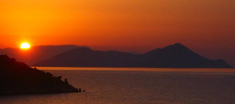 Couché de soleil sur la mer ionienne